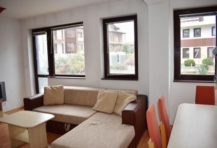 Апартамент на две нива с двор в Банско