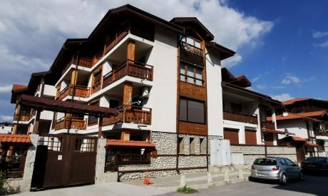 Двуспален апартамент под наем с камина в Банско