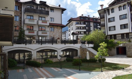 A three-room apartment near a lift in Bansko