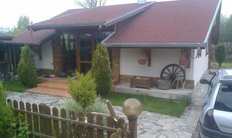 Къща в село Долно Драглище