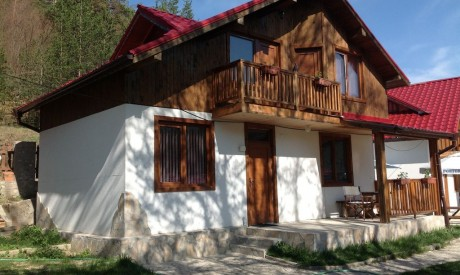 Вила в местността Предела, 13км от Банско